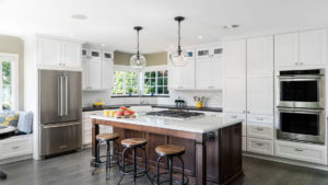 White Kitchen, White Kitchen Island, Kitchen with bar stools and eating area