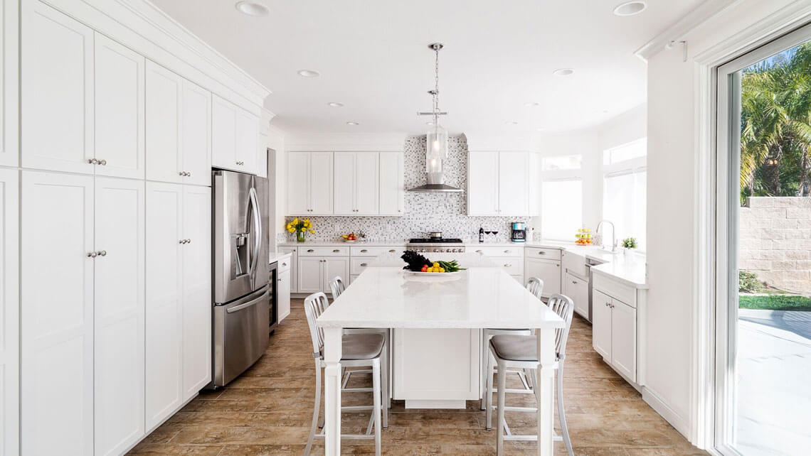 All White Kitchen Design, California Kitchen Designers, Irvine California Kitchen Remodeling, kitchen islands