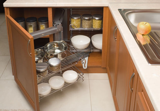 Using Custom Cabinets to Solve Kitchen Organization Problems | Sea Pointe Blog