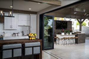 homes with indoor ourdoor living in california