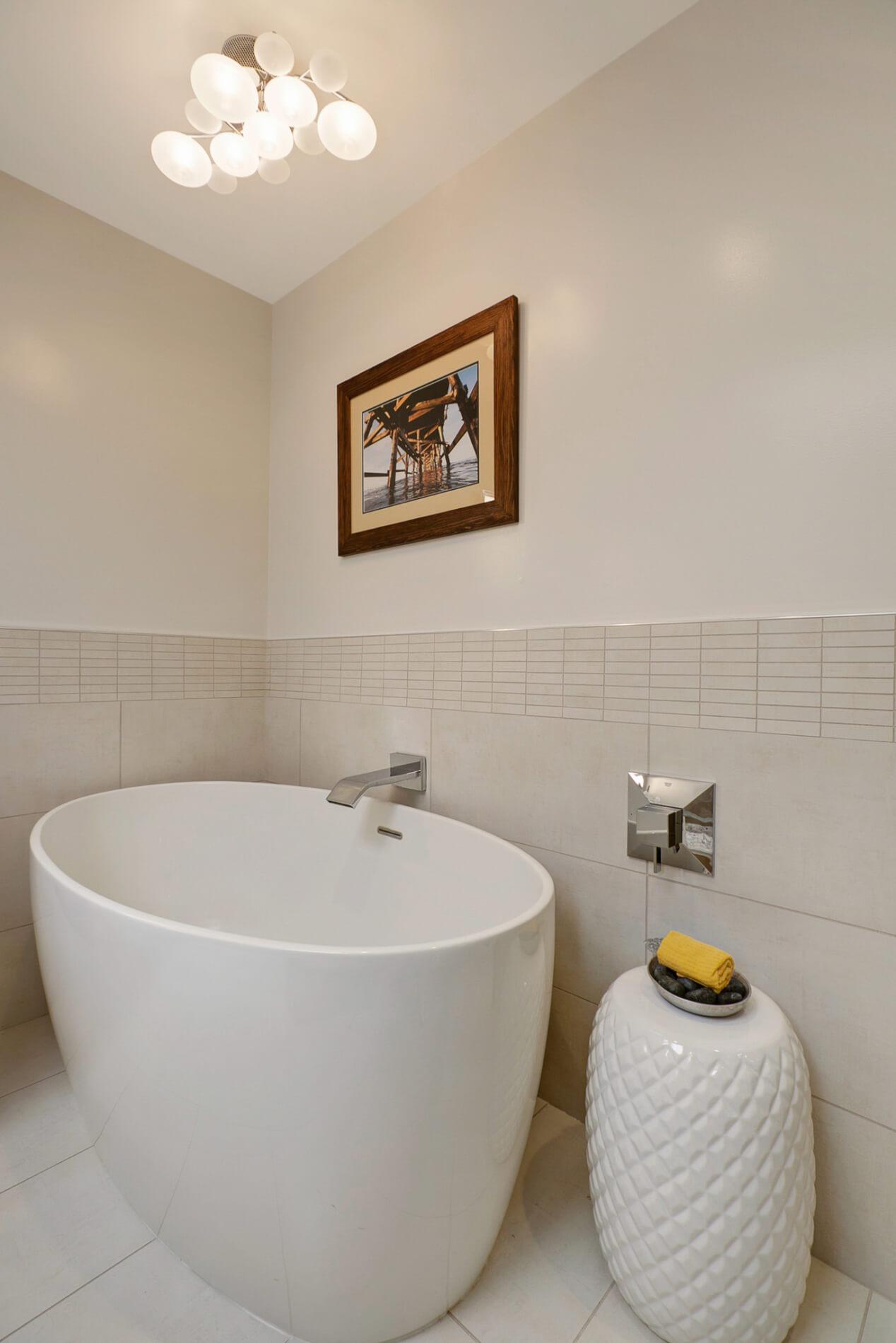 Free Standing Tub in Master Bathroom, Soaking Tub in Master Bathroom, Master Bathroom Tub