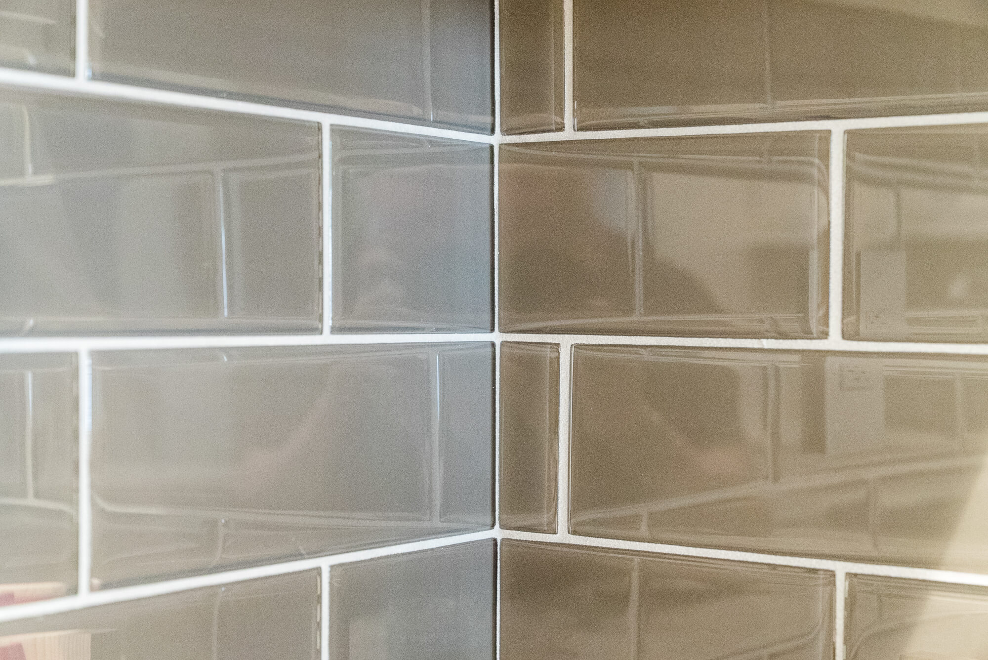 Back Spalsh Detail in Kitchen Remodel, Kitchen Remodel Orange County, Subway Tile Backsplah
