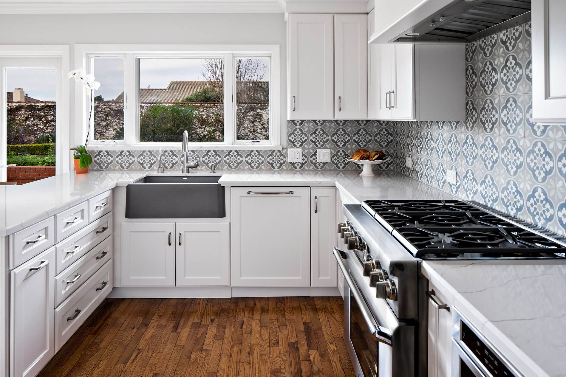 How To Update Your Kitchen Design For 2018 Sea Pointe Construction