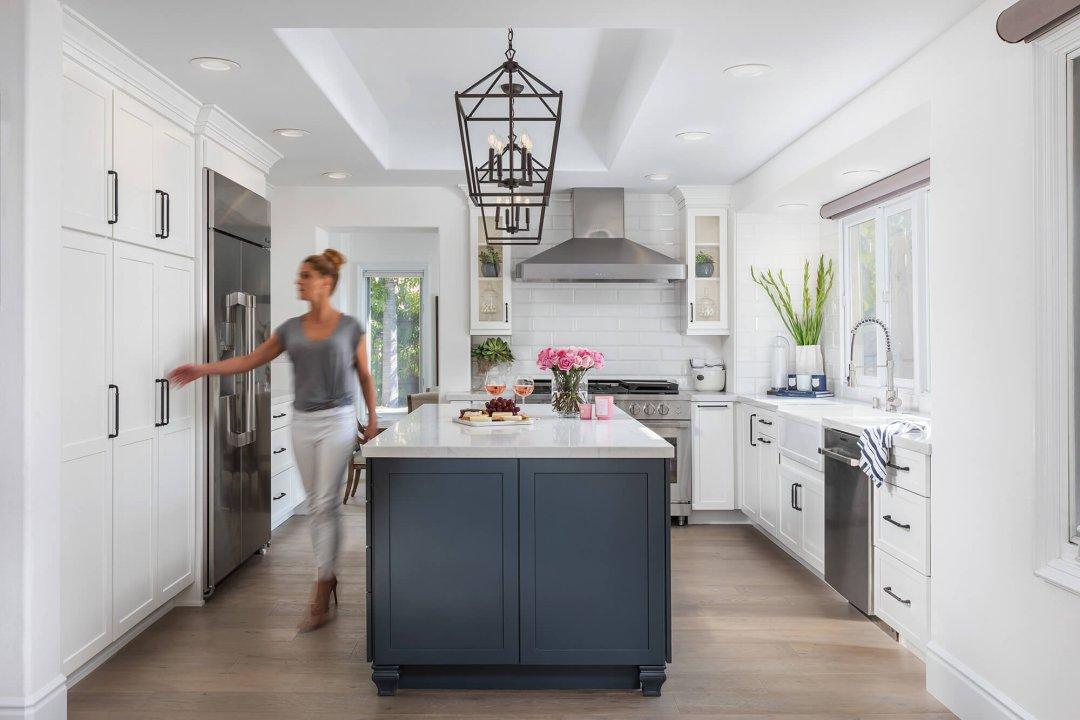 Huntington Beach, Bright & Beautiful Kitchen
