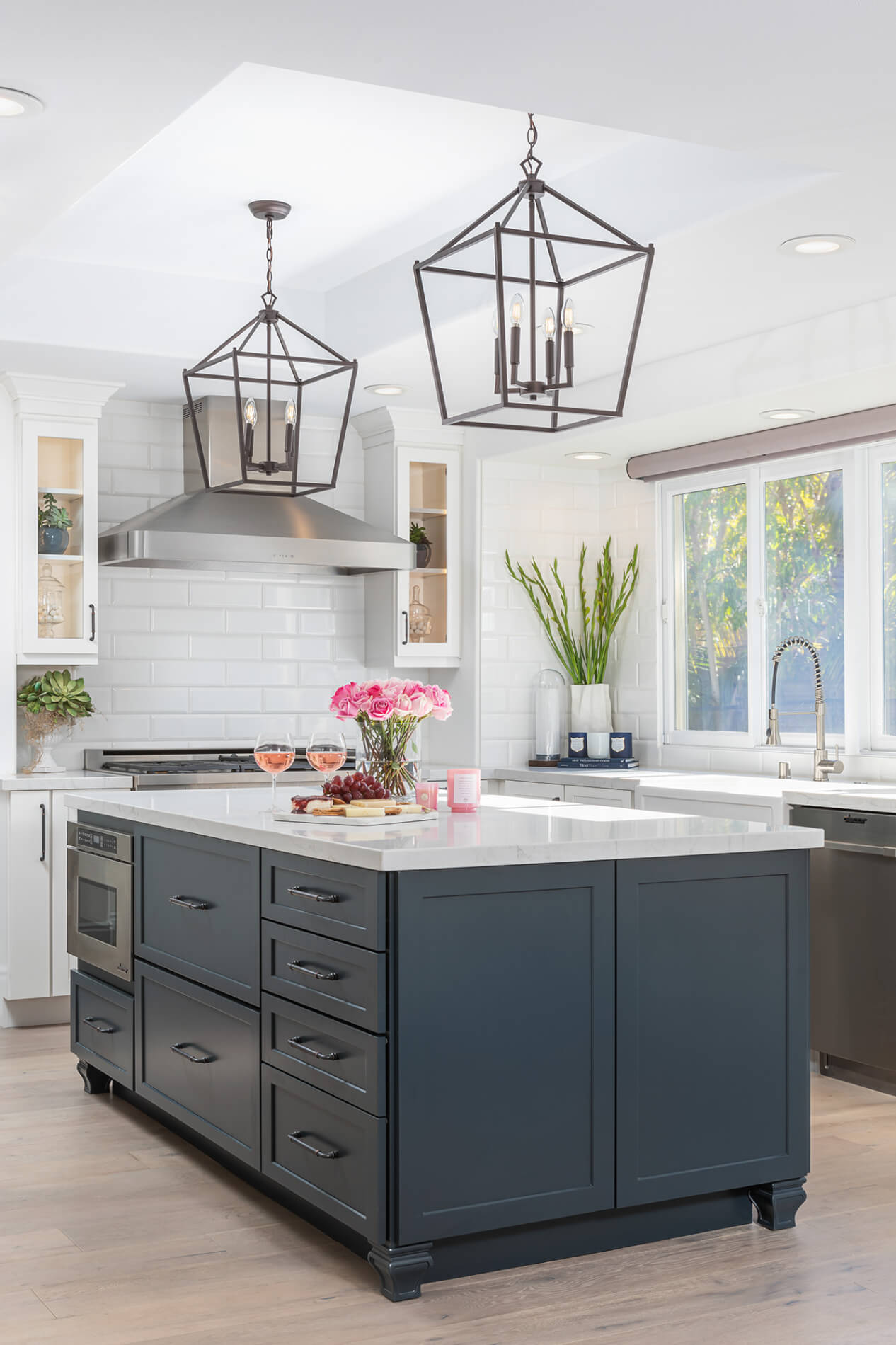 Kitchen island design and features