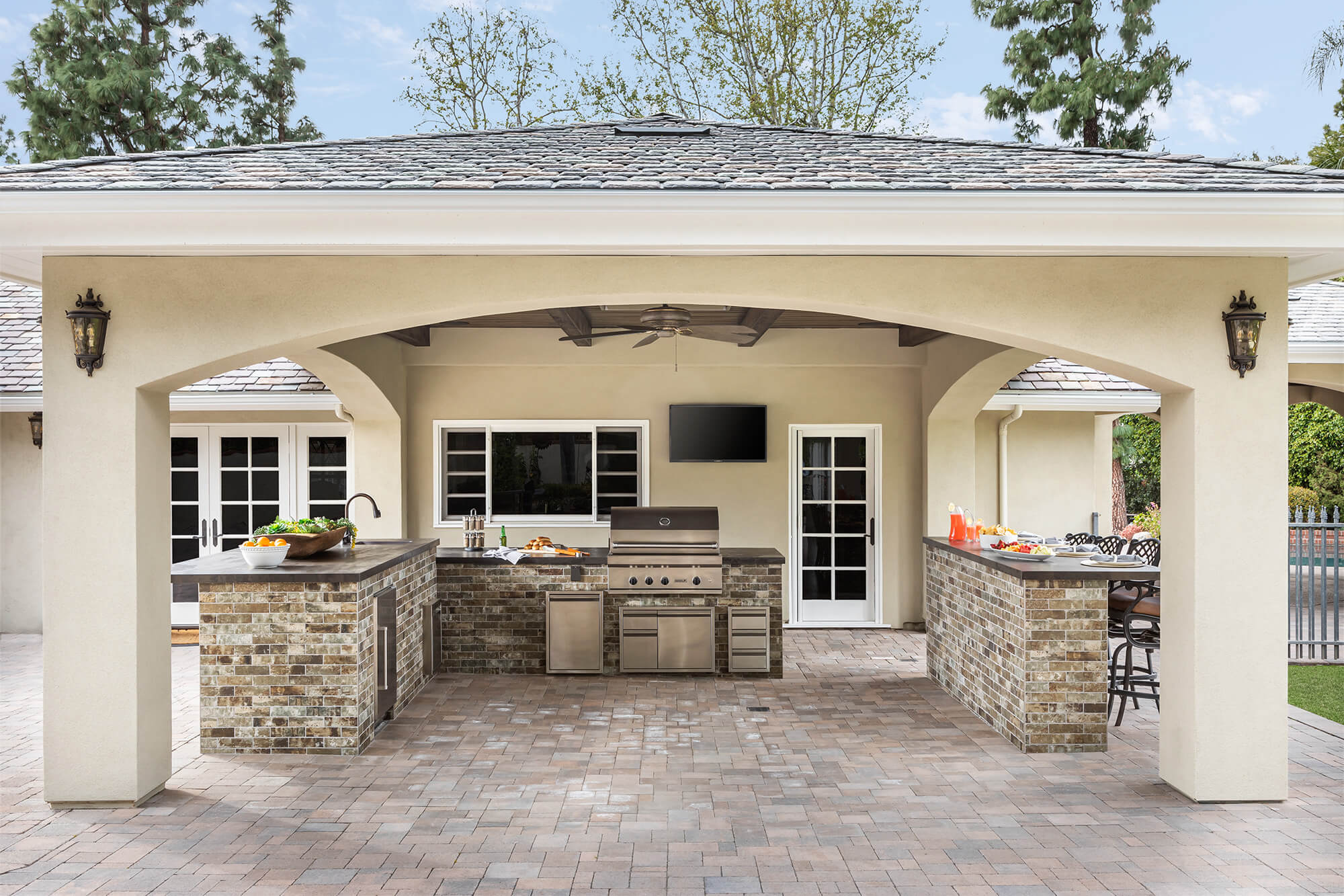 Outdoor kitchen remodeling