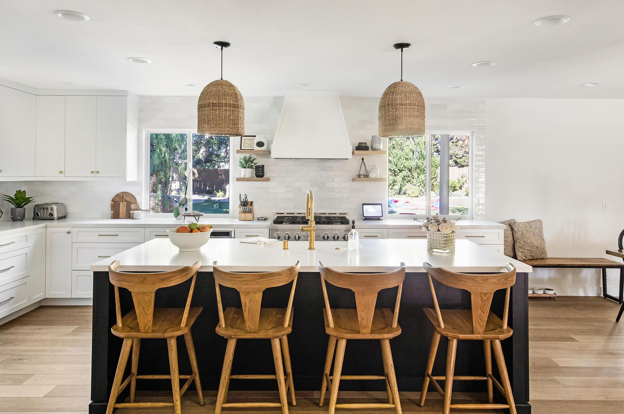 Black-and-gold-kitchen-design