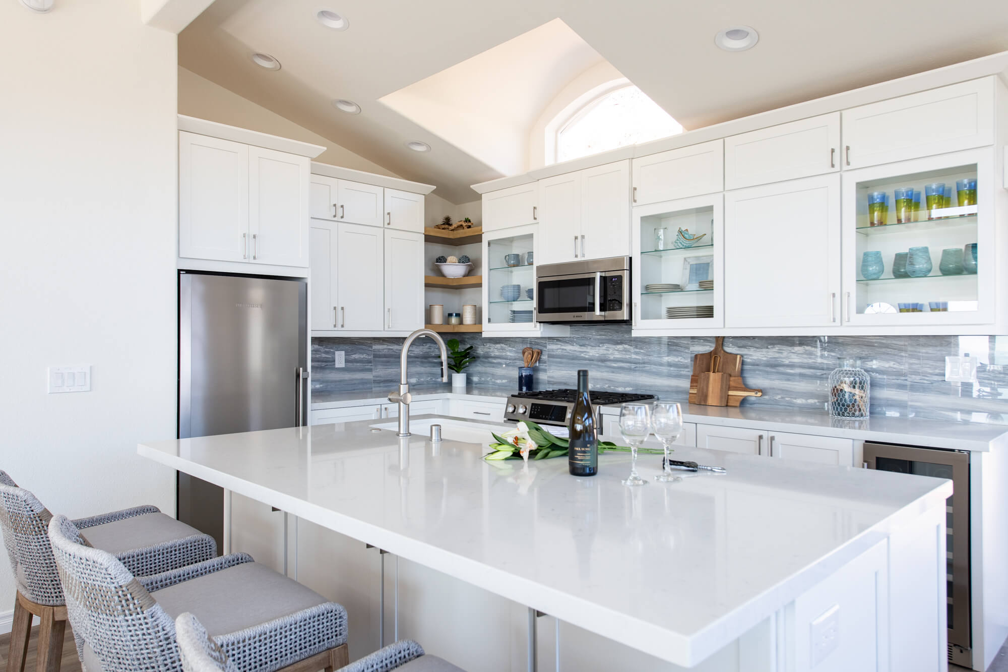 Coastal-blue-kitchen-backsplash
