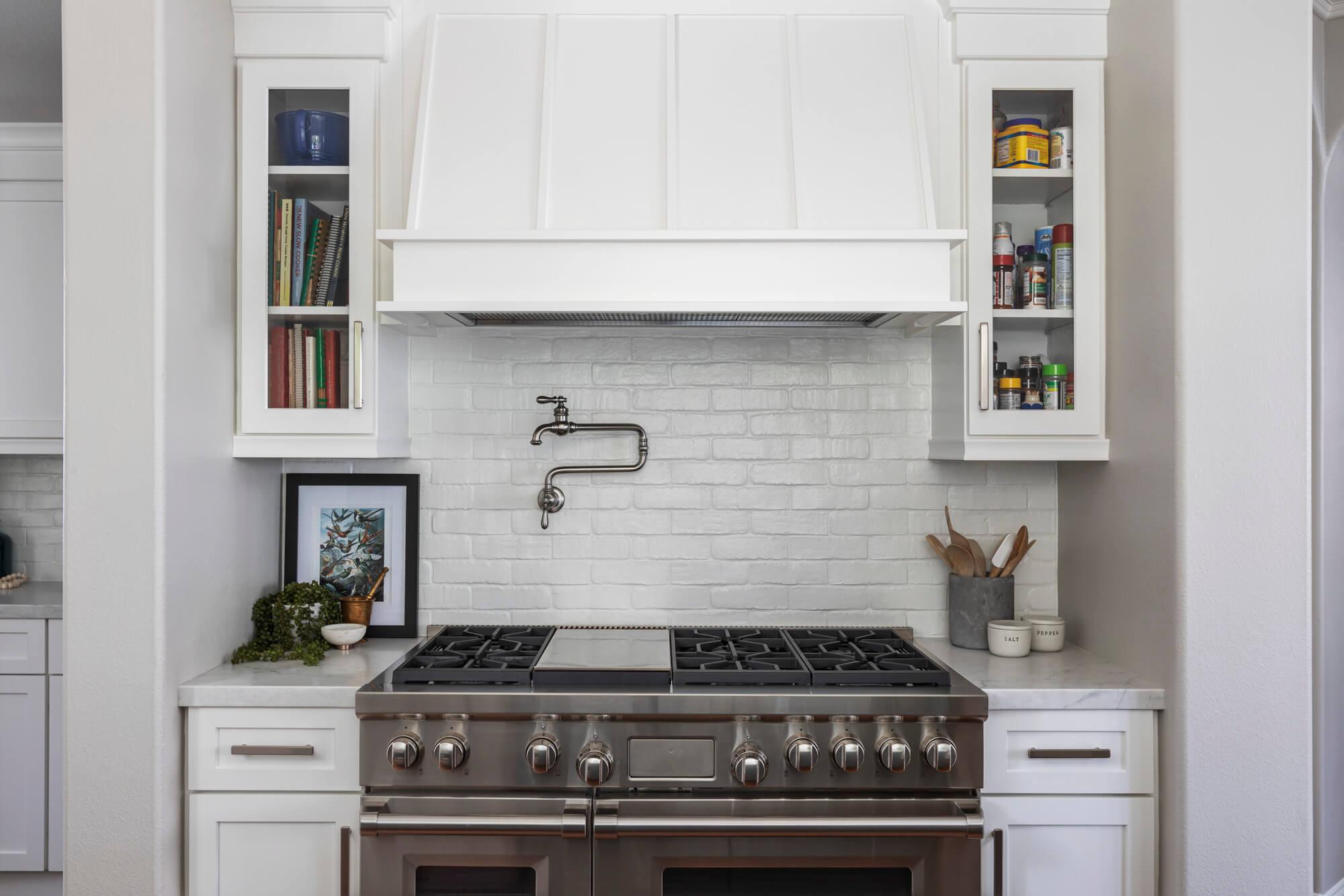 Subway-tile-kitchen-backsplash