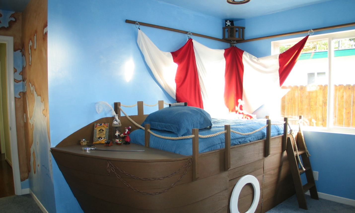 Childrens-room-with-pirate-theme