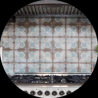 Kitchen remodel with patterned backsplash