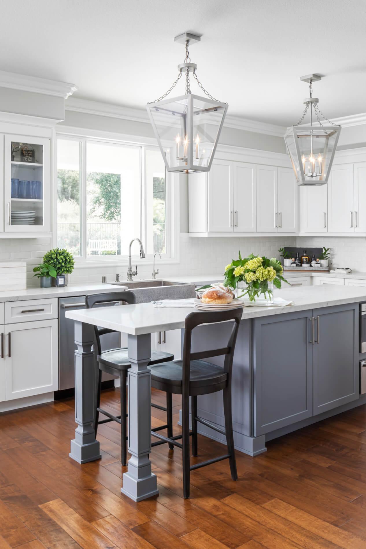 High-gloss-painted-floors