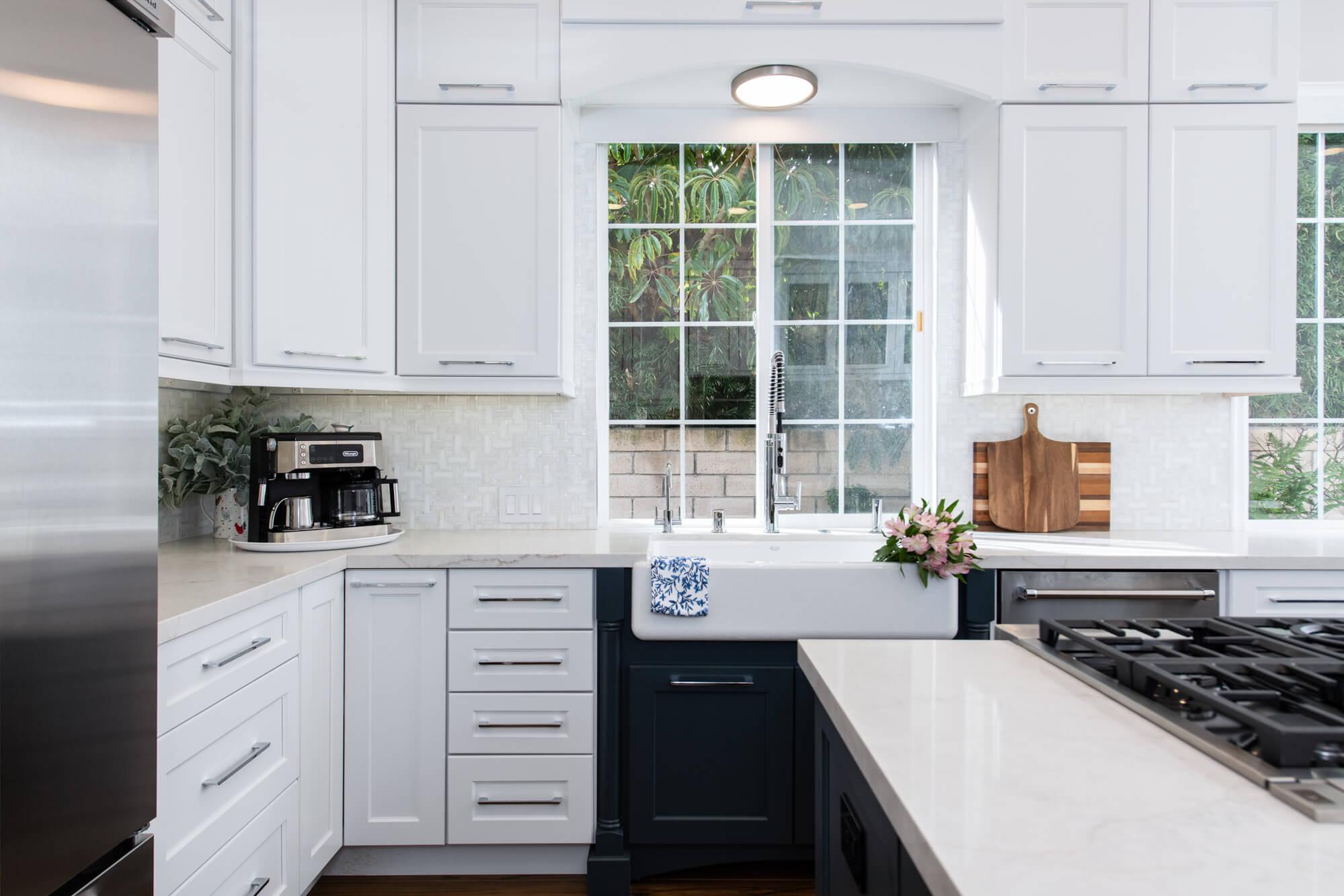 Farmhouse-window-design-in-home-renovation