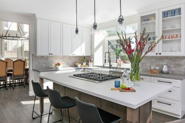 Should you hire a kitchen remodeling contractor