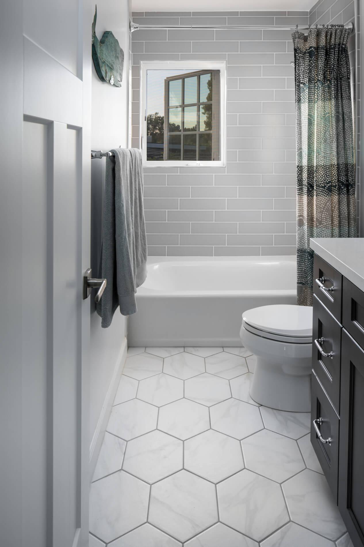 Geometric-pattern-style-flooring
