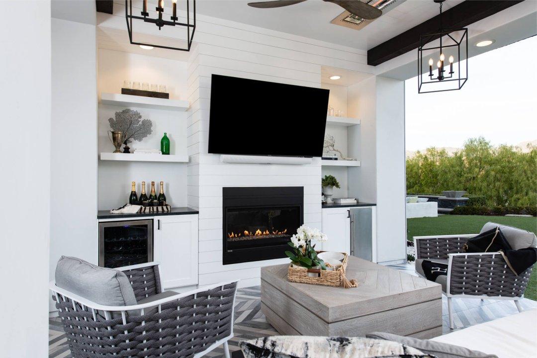 Lounger's Paradise: Coto de Caza California Room Remodel