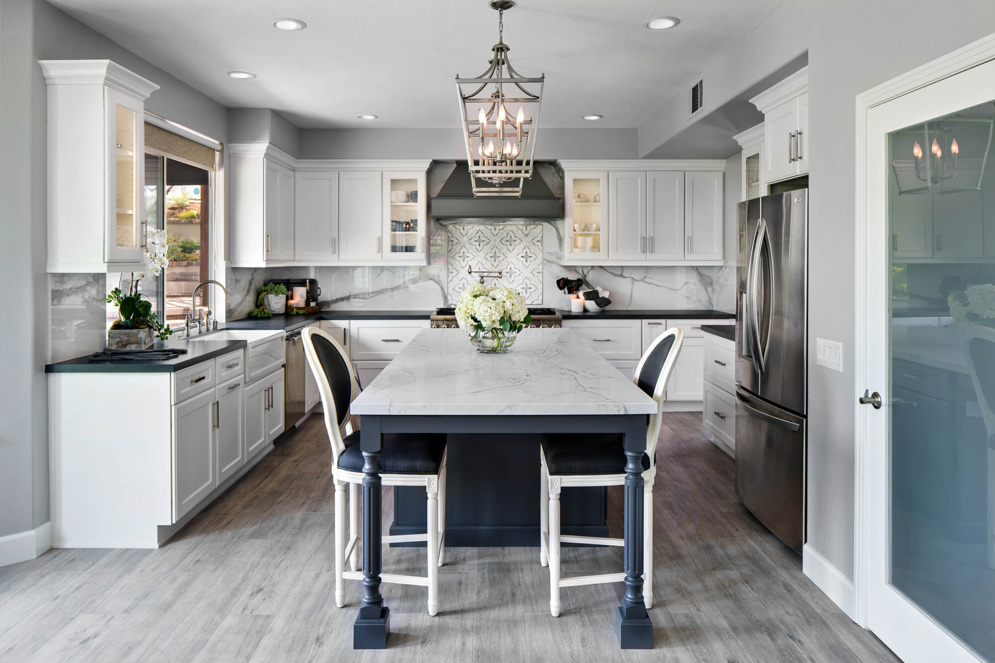 quartz-countertop-timeless-kitchen-design