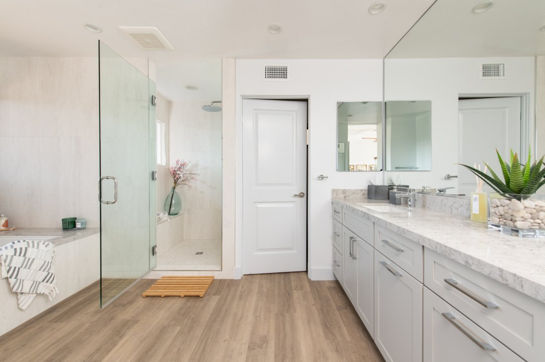 Soothing Bathroom Remodeling in Laguna Niguel