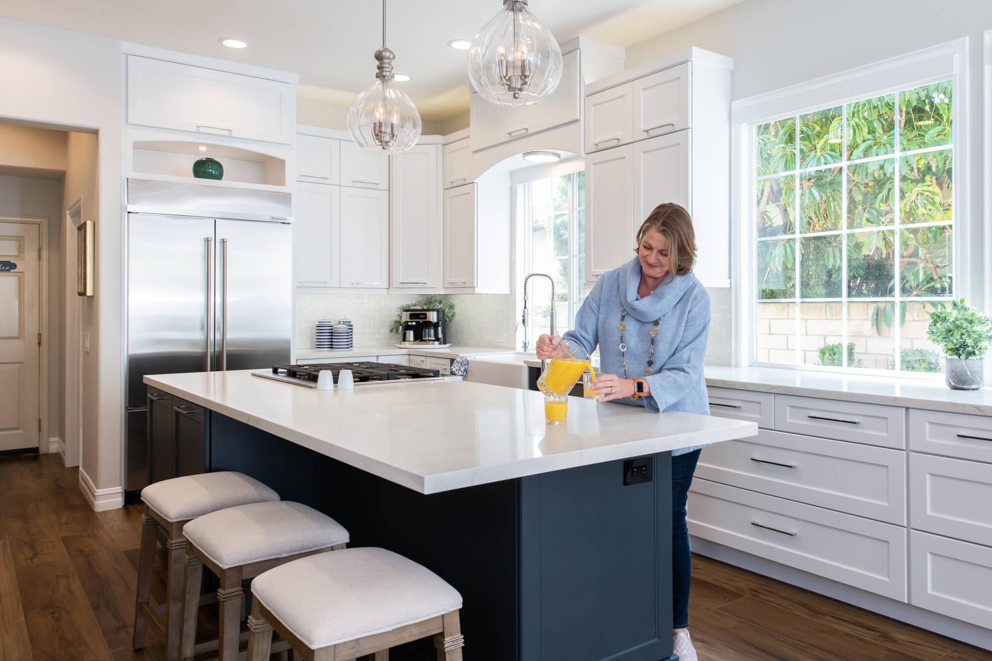 kitchen-island-used-as-breakfast-bar