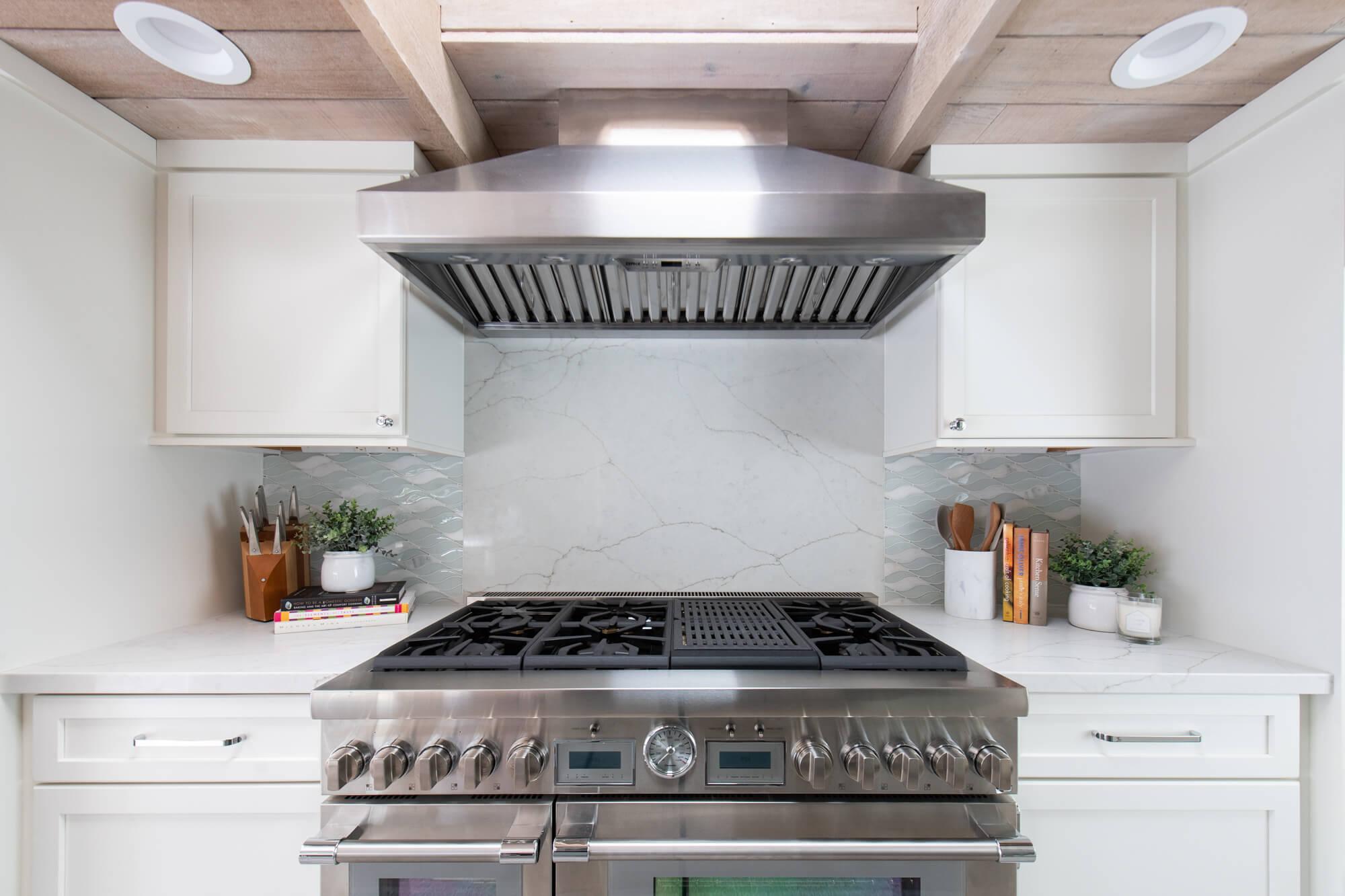 Backsplash accent in San Clemente kitchen remodel