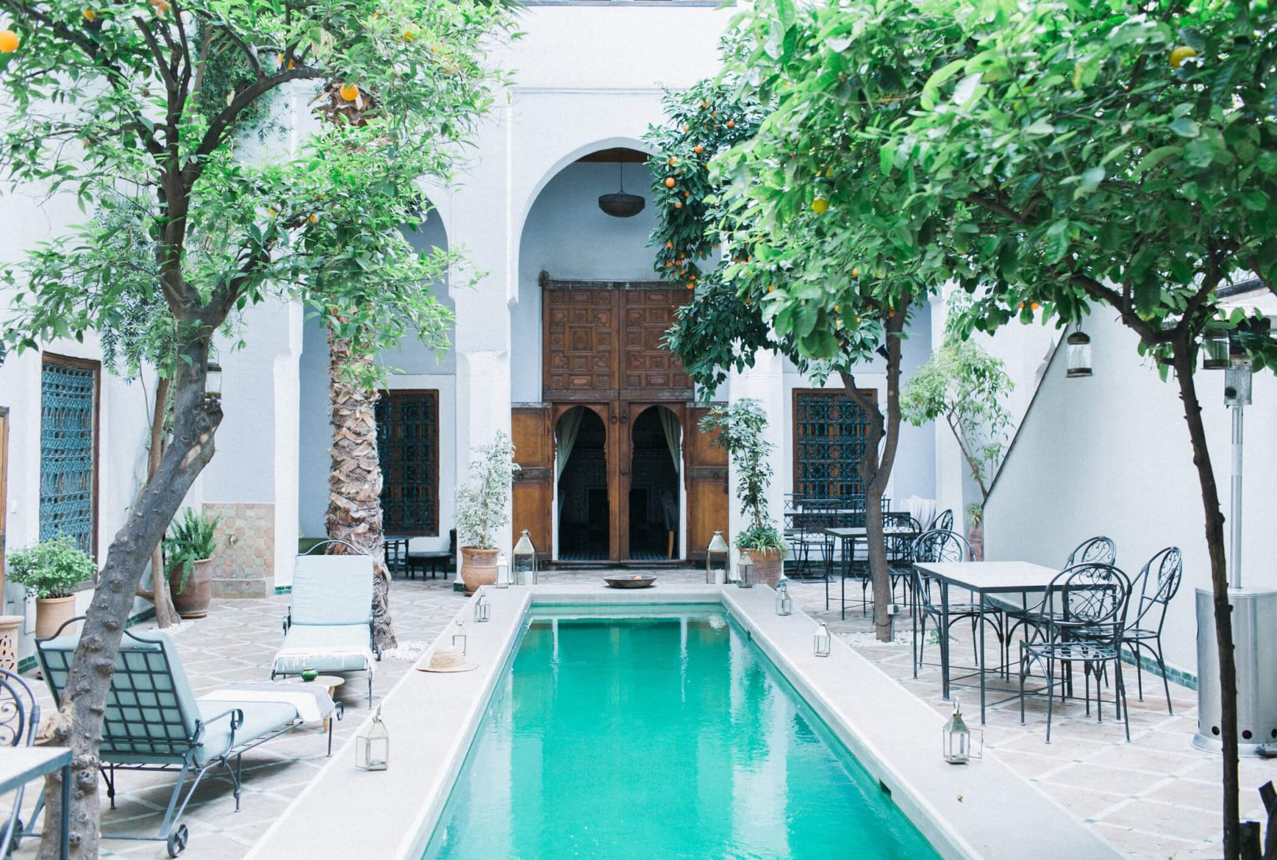 Tuscan-courtyard-california-room