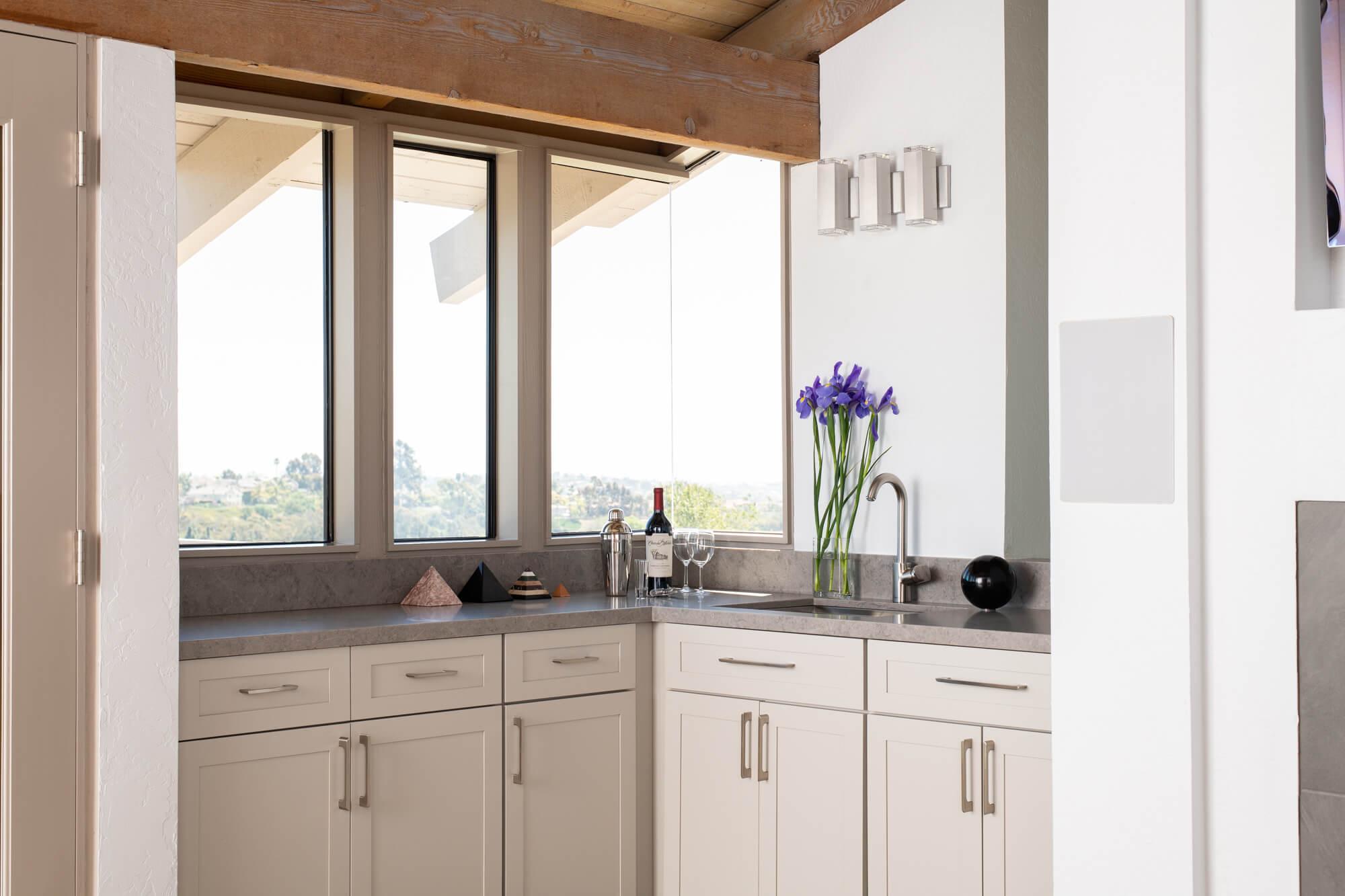 Home bar design for a nook