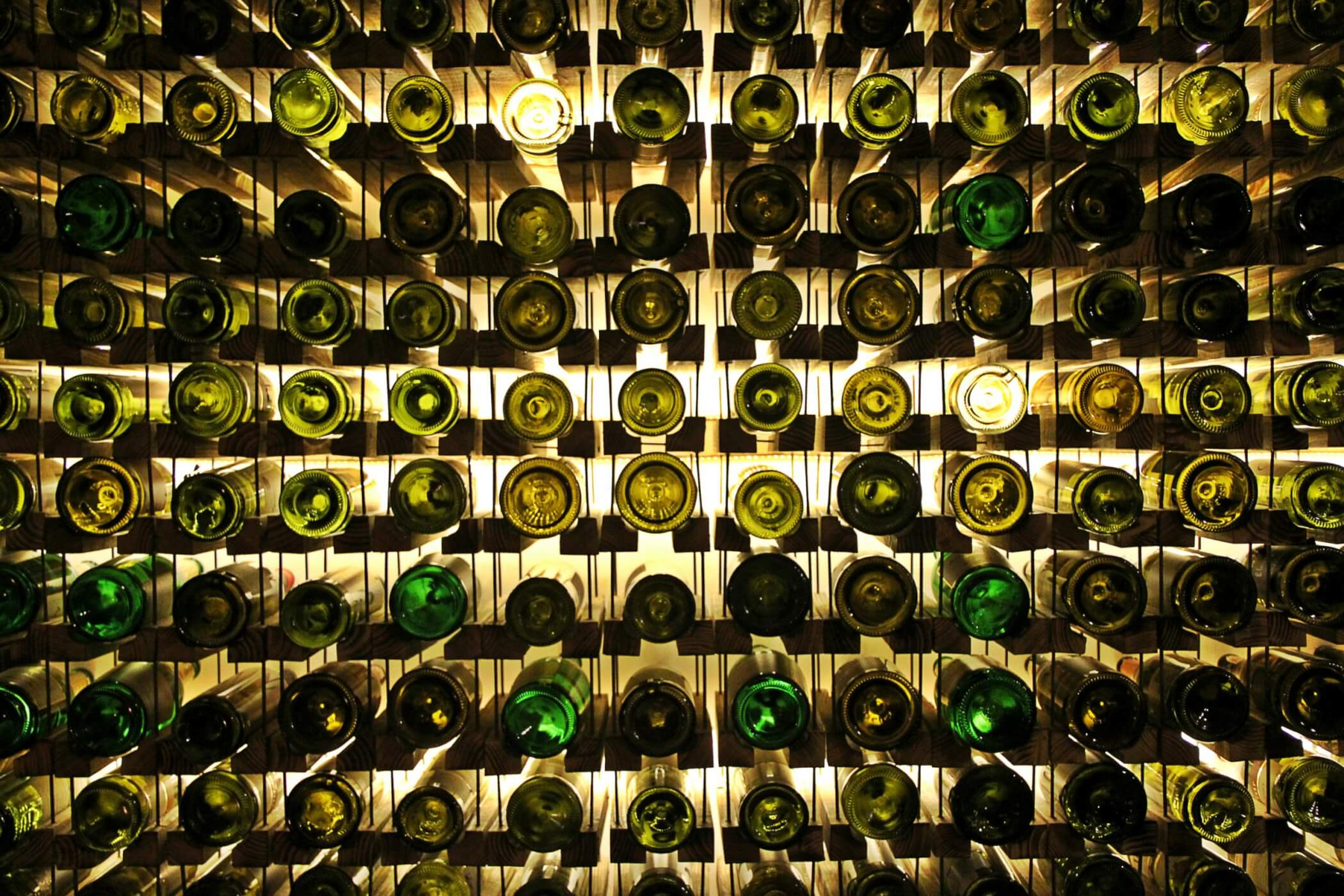 Wine cellar using cable system