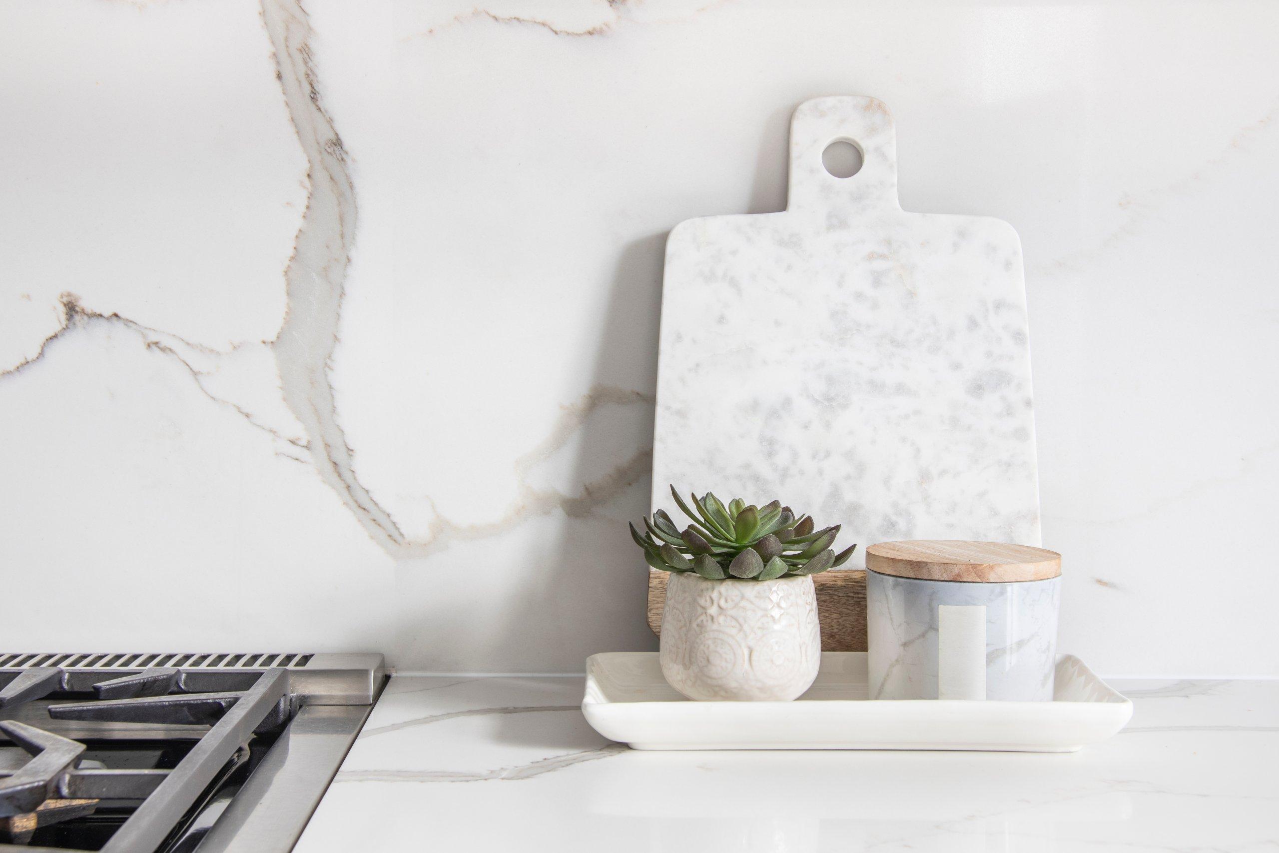 Marble kitchen backsplash and counter